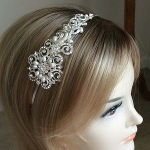 Bridal pearl/ diamonte headpiece